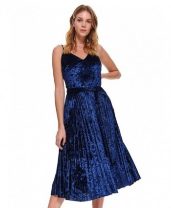 Rochie albastra din catifea...
