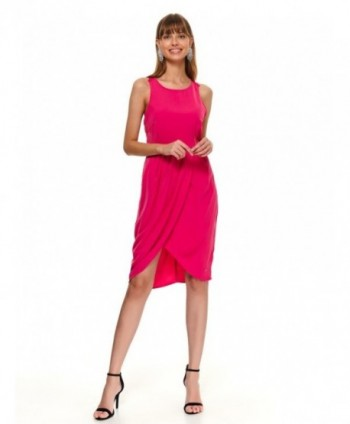 Rochie roz cu crapatura...